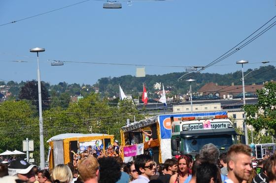 2012-08-11 - Street Parade 2012 - 013