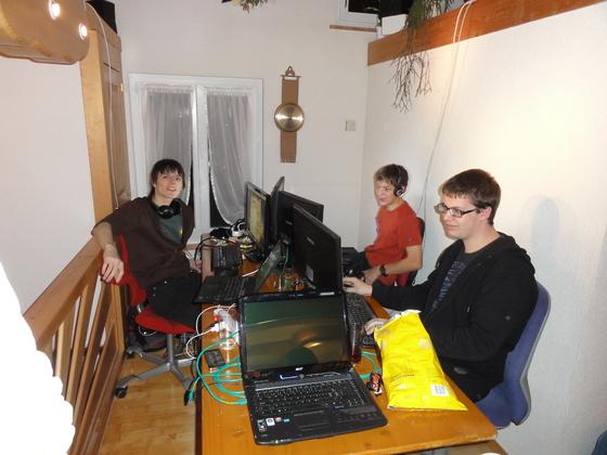 2011-11-19 - Last-A-Night v4.0 - 004