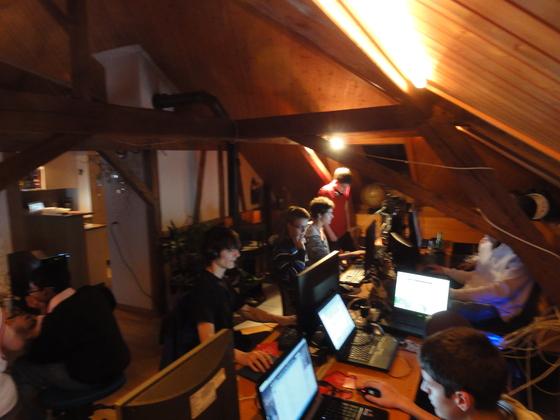 2012-01-06 - Last-A-Night v5.0 - 001