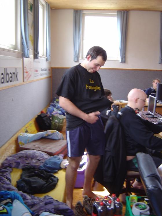 2006-04-14 - LAN Radballhalle 06 - 005