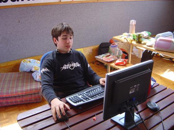2006-04-14 - LAN Radballhalle 06 - 010