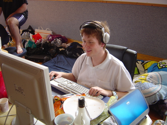 2006-04-14 - LAN Radballhalle 06 - 013