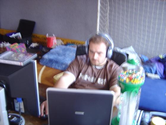 2006-04-14 - LAN Radballhalle 06 - 018