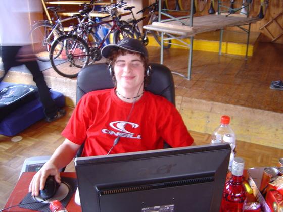 2006-04-14 - LAN Radballhalle 06 - 022