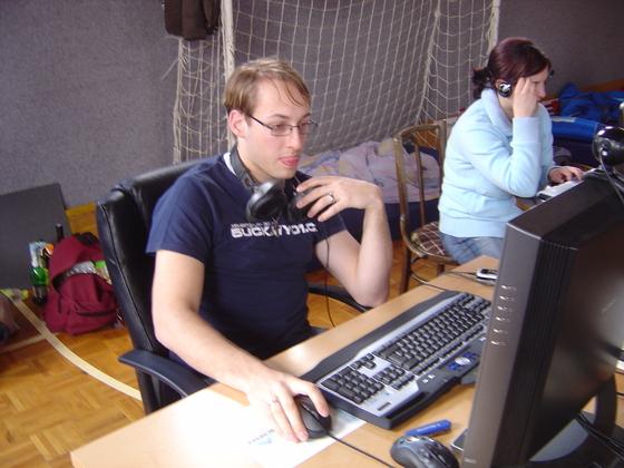 2006-04-14 - LAN Radballhalle 06 - 027
