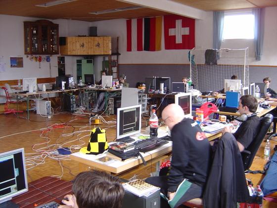 2006-04-14 - LAN Radballhalle 06 - 030