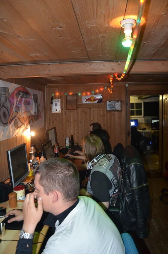 2013-03-28 - Drunken Monk Home LAN 2013 - 010