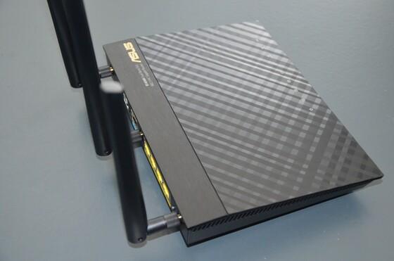 2013-04-13 Unboxing ASUS RT-AC66U - 009