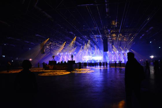 2014-02-15 - A State Of Trance 650 New Horizon Utrecht - 011