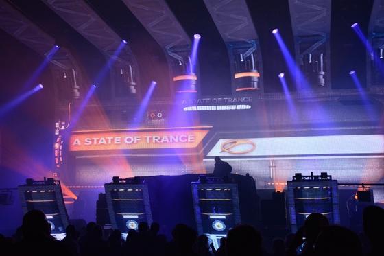 2014-02-15 - A State Of Trance 650 New Horizon Utrecht - 012