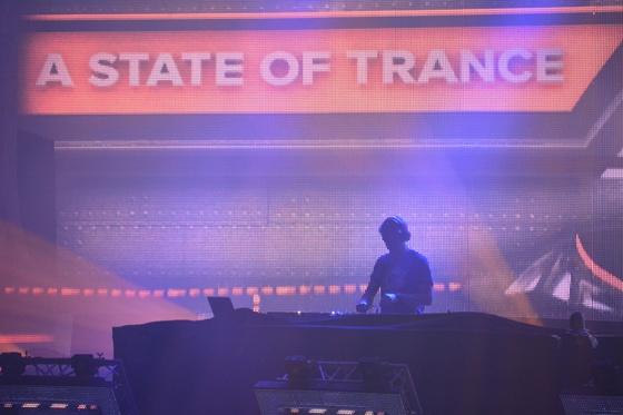 2014-02-15 - A State Of Trance 650 New Horizon Utrecht - 021