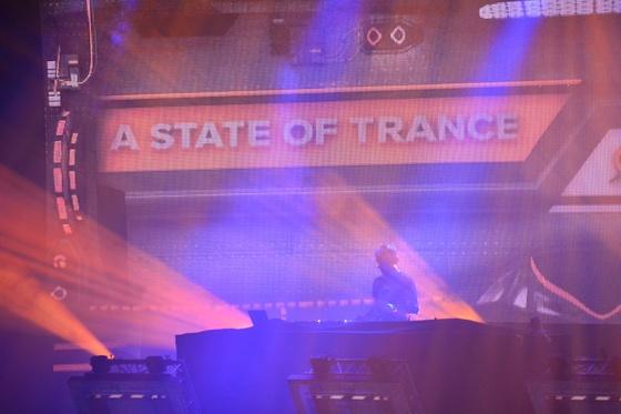 2014-02-15 - A State Of Trance 650 New Horizon Utrecht - 024