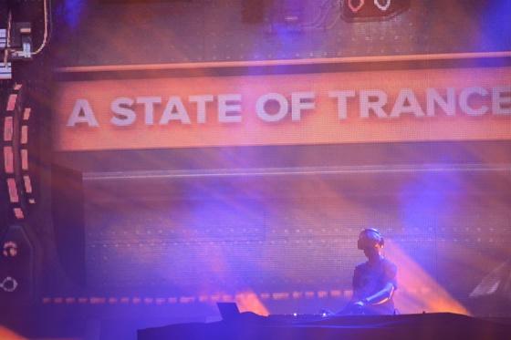 2014-02-15 - A State Of Trance 650 New Horizon Utrecht - 025