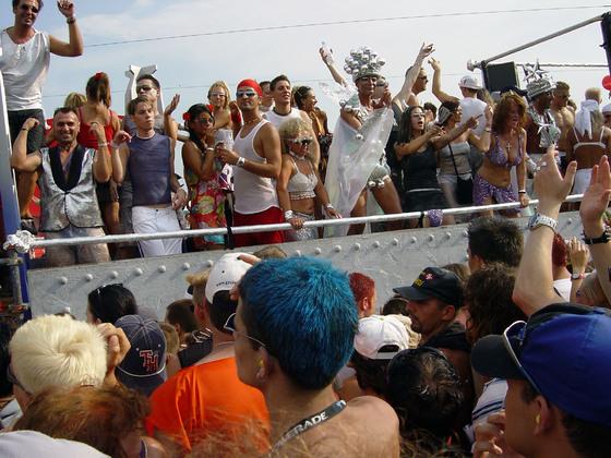 2003-08-09 - Streetparade 2003 - 020
