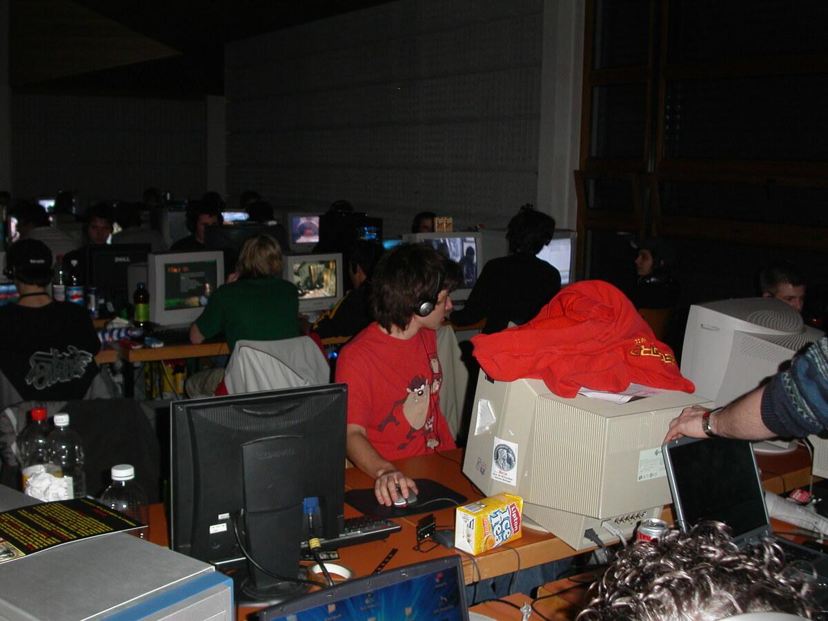 2004-02-06 - CAD 5 - 009