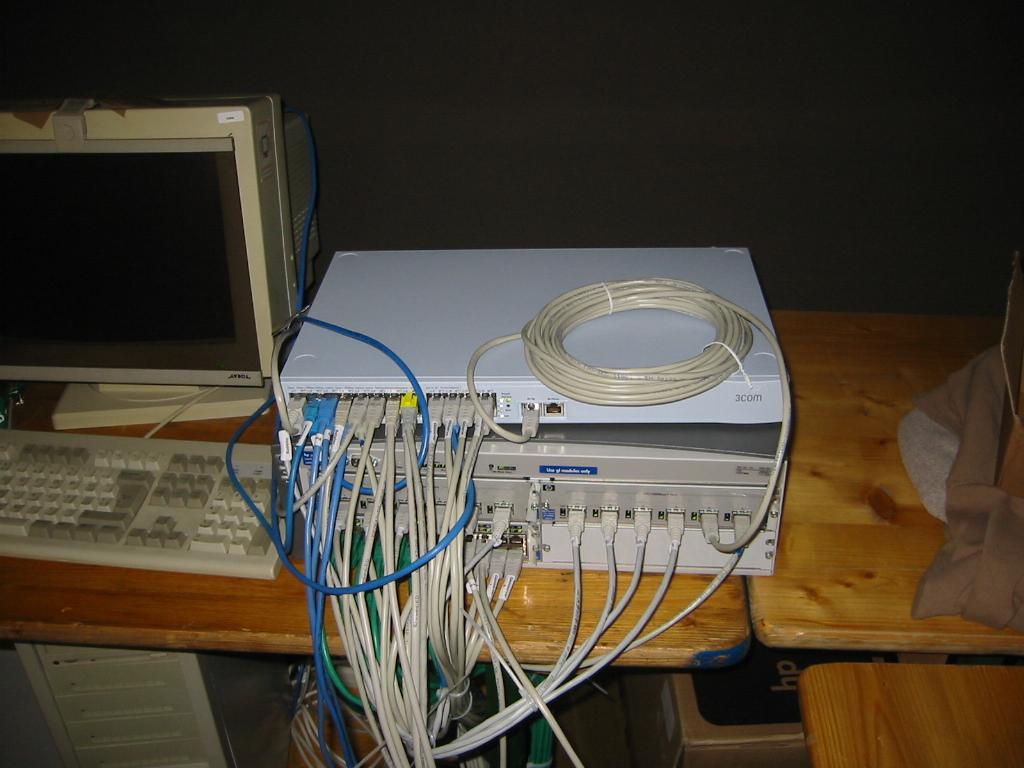 2003-10-03 - CAD 4 - 041