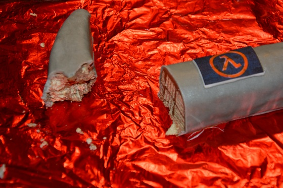 Gordon Freeman chocolate crowbar - 003