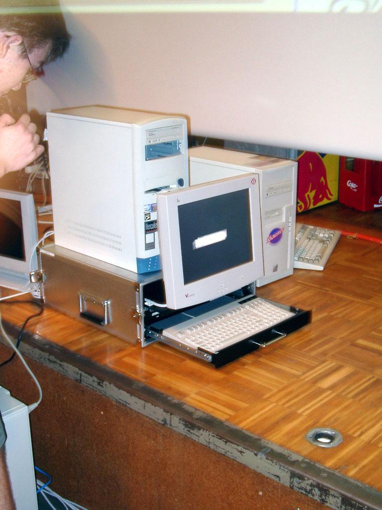 2002-06-21 - sLANp IV - 002