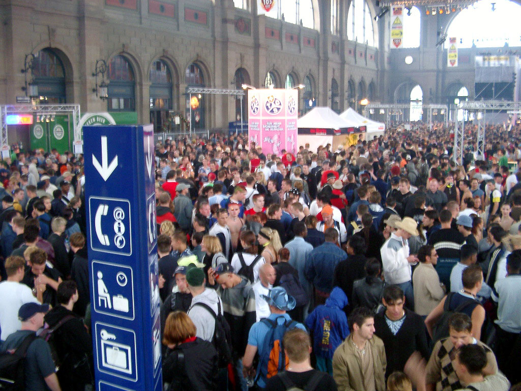 2002-08-10 - Streetparade 2002 - 051