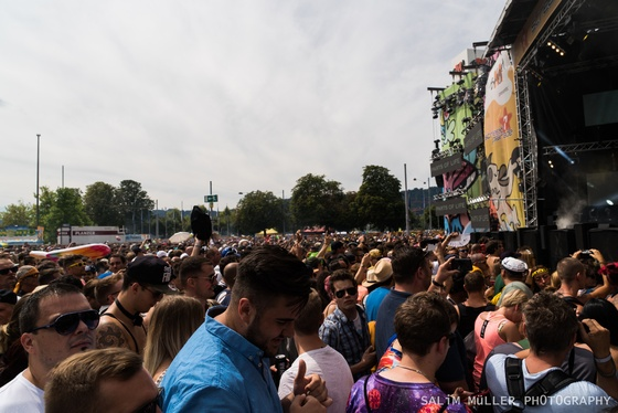 Street Parade 2018 - Crowd, Stages and Still-Life - 003