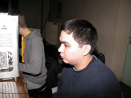 2004-02-13 - Fire-LAN - 004