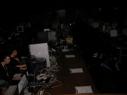 2004-02-13 - Fire-LAN - 016