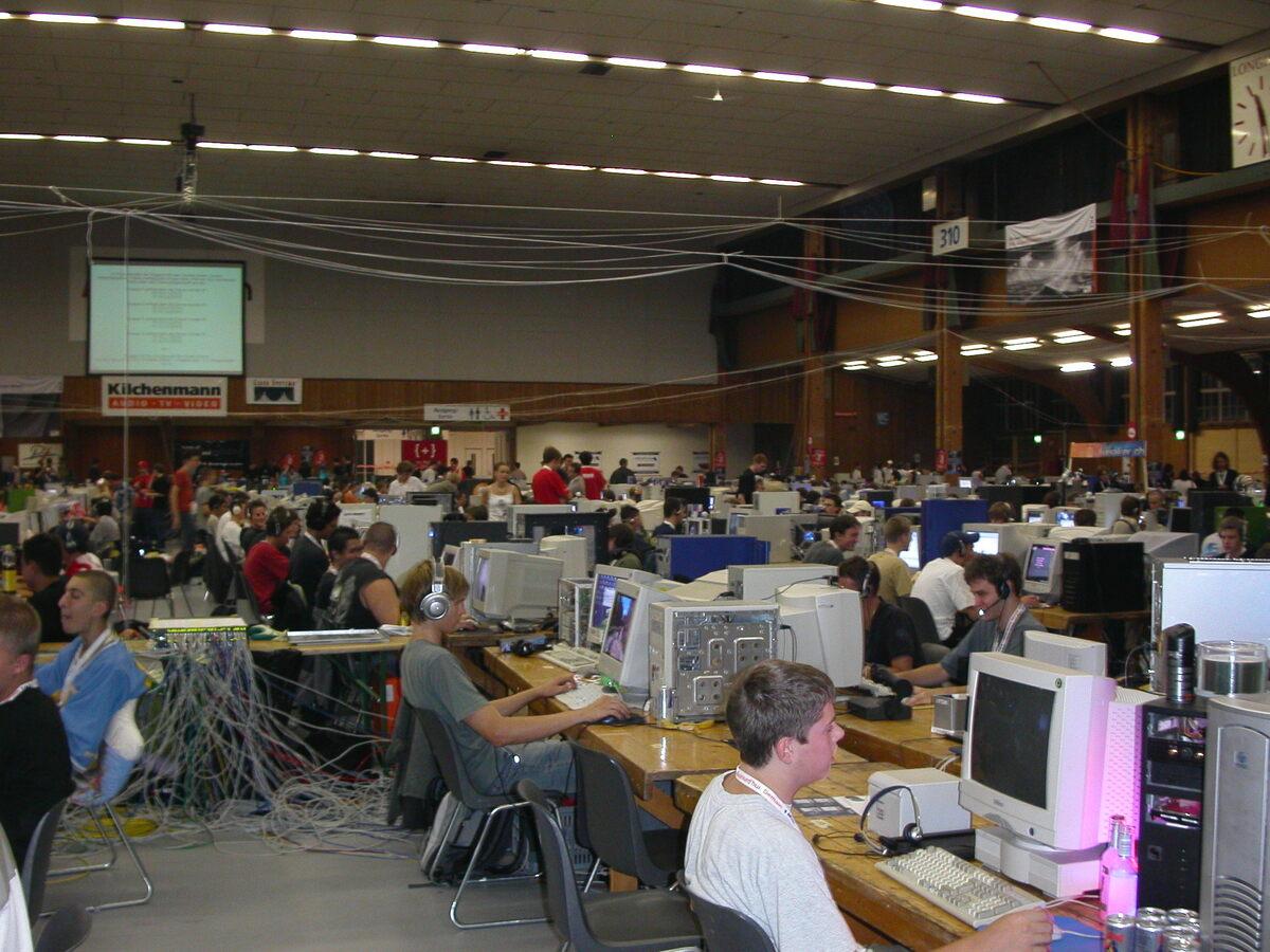 2003-09-05 - Lanforce V - 003
