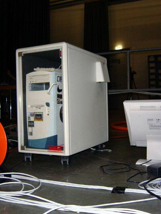 2002-12-20 - sLANp V - 001