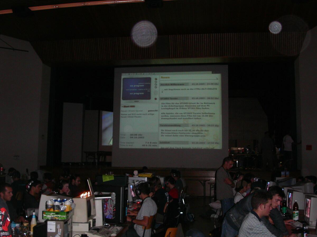 2003-10-03 - CAD 4 - 001