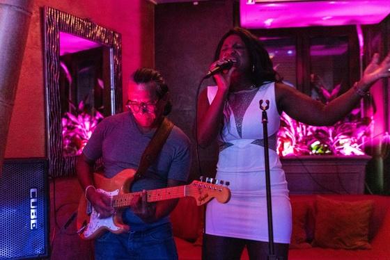 Ester Nilsson Birthday Party Bar Fly - 008