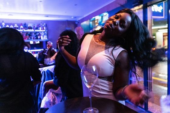 Ester Nilsson Birthday Party Bar Fly - 015