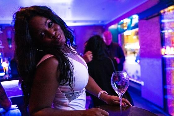 Ester Nilsson Birthday Party Bar Fly - 017