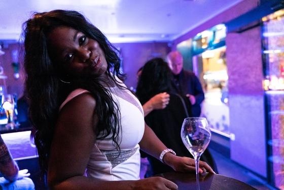 Ester Nilsson Birthday Party Bar Fly - 018
