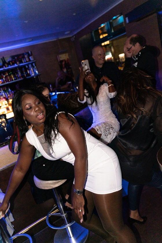 Ester Nilsson Birthday Party Bar Fly - 020