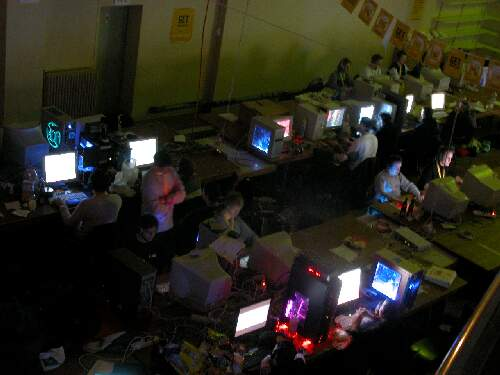 2004-02-13 - Fire-LAN - 036