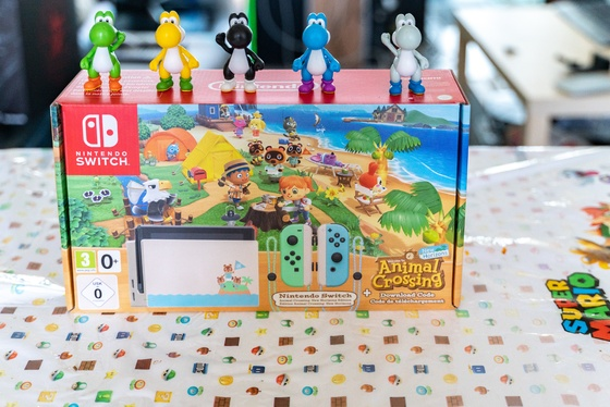 Nintendo Switch Animal Crossing New Horizons Edition Unboxing - 001