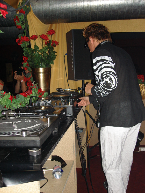2006-06-11 - House Deluxe - 015