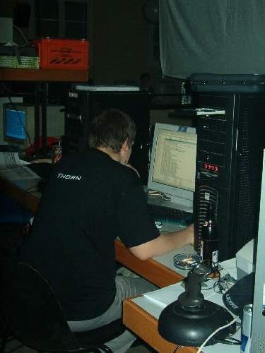 2004-02-13 - Fire-LAN - 057