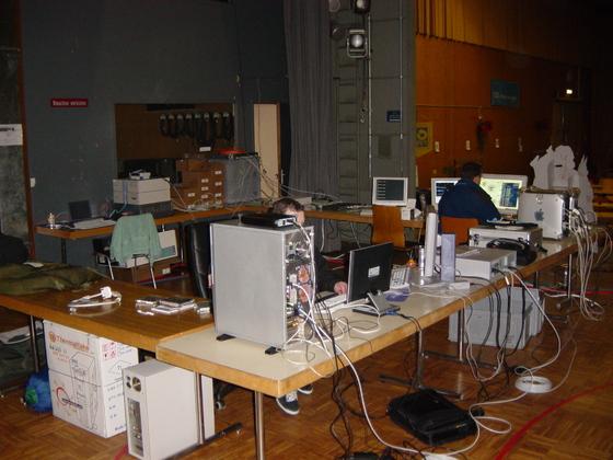 2002-12-19 - sLANp V - 018