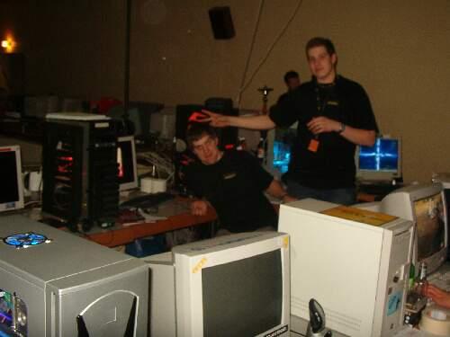 2004-02-13 - Fire-LAN - 077