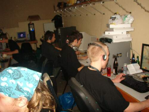 2004-02-13 - Fire-LAN - 093