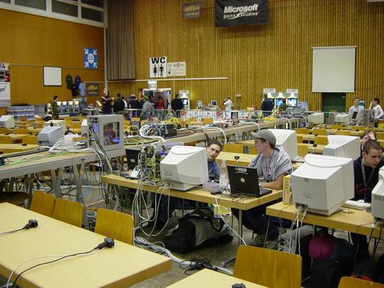 2003-10-24 - sLANp VII - 002