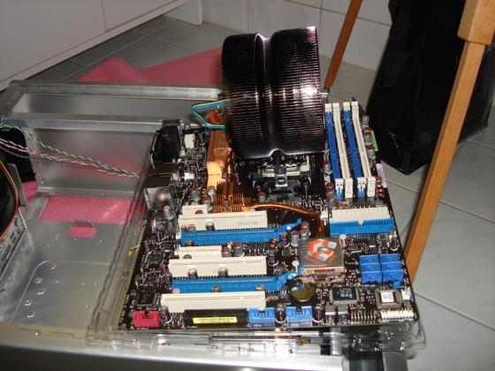 2006-12-20 - ASUS Crosshair and Geforce 8800 - 001