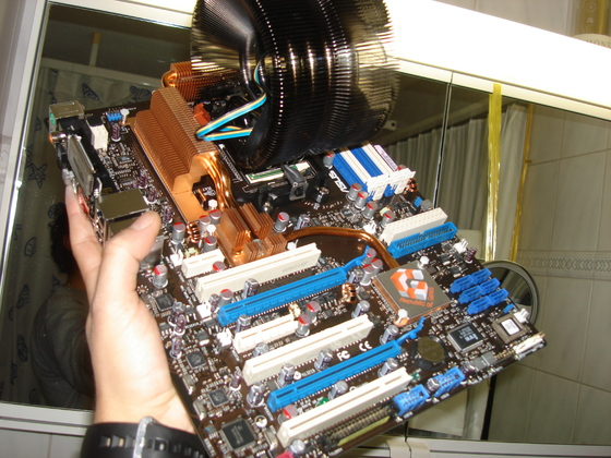 2006-12-20 - ASUS Crosshair and Geforce 8800 - 004