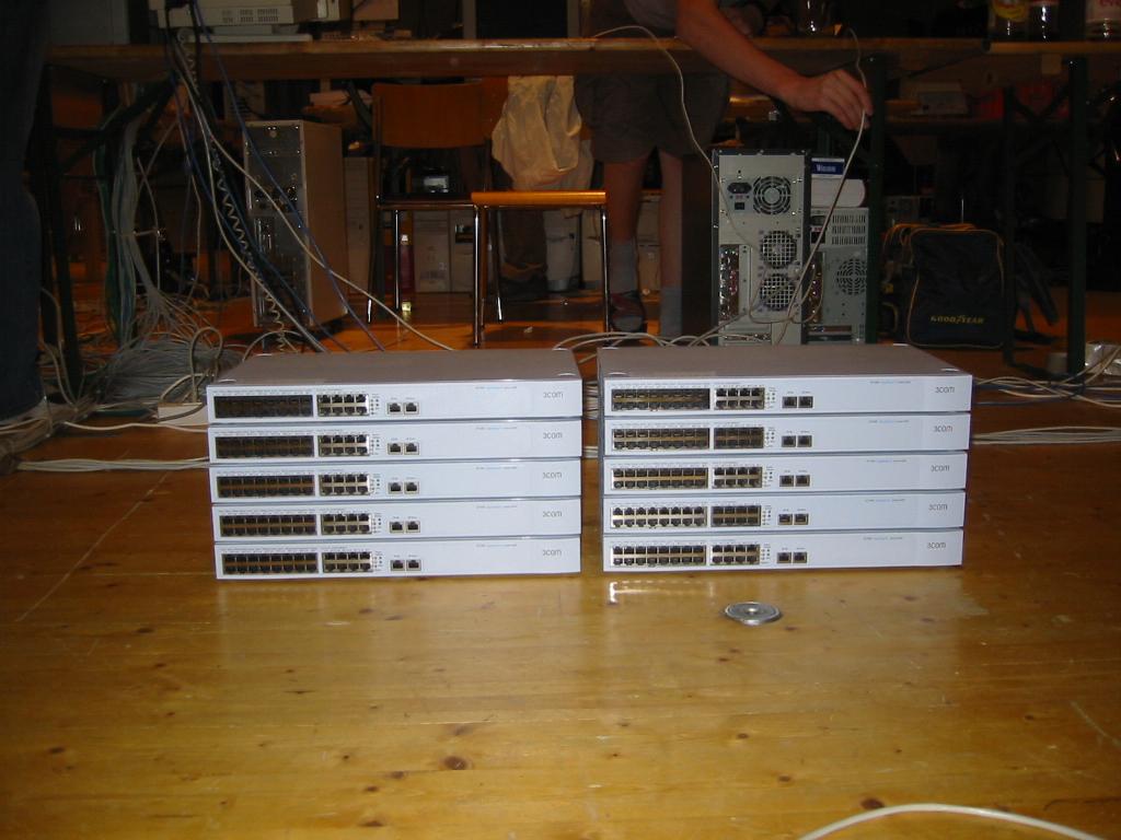 2003-10-03 - CAD 4 - 091