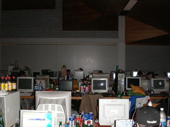 2004-02-06 - CAD 5 - 027