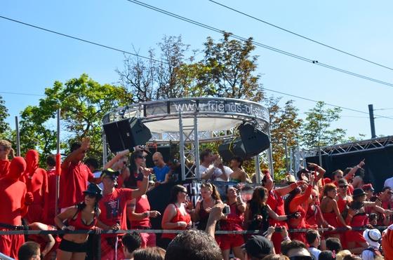 2012-08-11 - Street Parade 2012 - 002