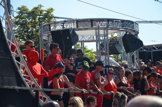 2012-08-11 - Street Parade 2012 - 004